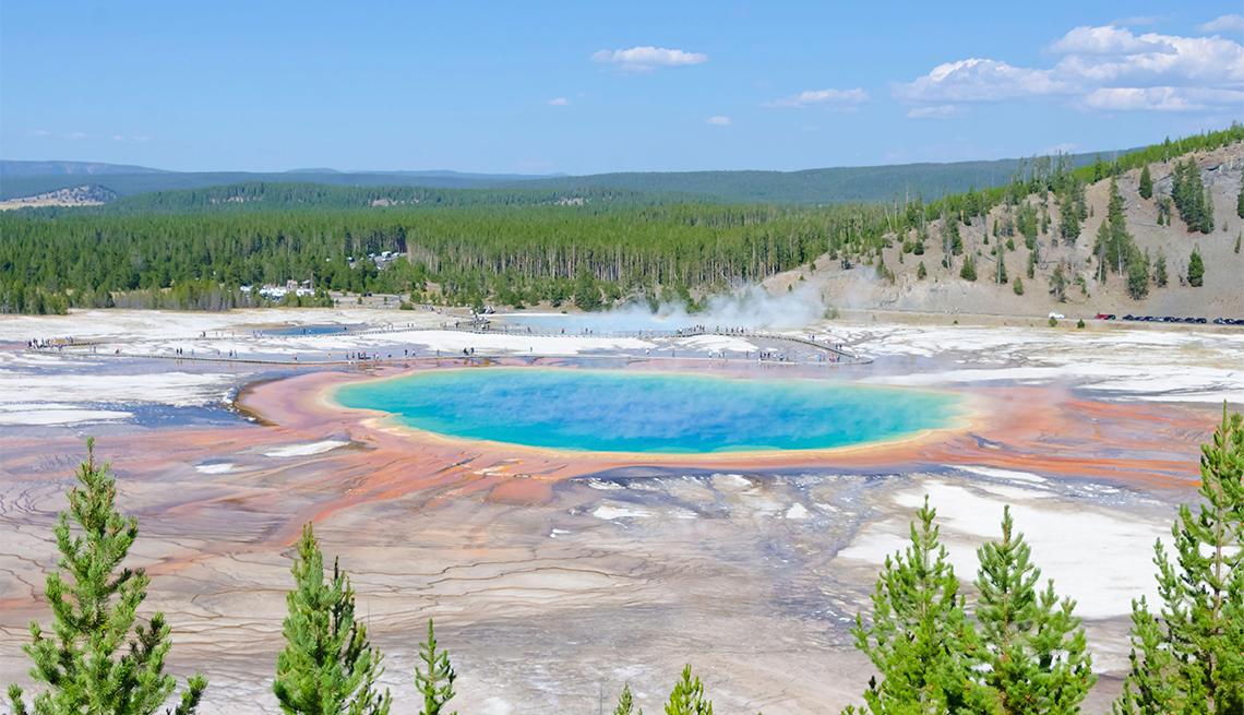 Imagen del Grand Prismatic Spring en el Parque Nacional Yellowstone