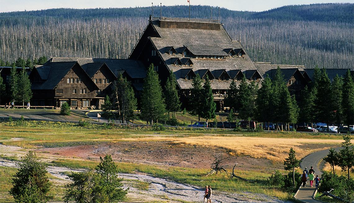 Hospedaje Old Faithful Inn