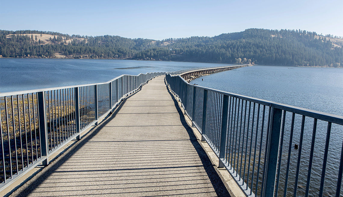 item 7 of Gallery image - Coeur d'Alenes bicycling path