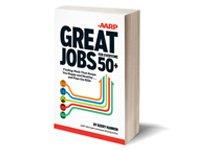 Una foto ilustración de Kerry Hannon con su más reciente libro, Great Jobs for Everyone over 50+