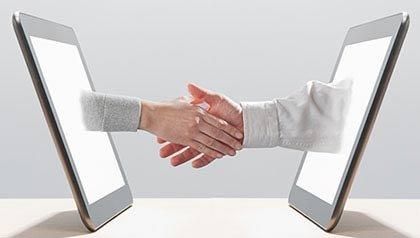 Si busca trabajo debe crear su perfil en redes sociales.