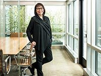 Kay Hall fotografiada en Perkins Coie, LLC en Portland, Oregon.