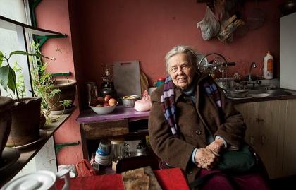 Mary MacMakin, trabajadores de edad avanzada en Afganistán