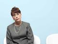 Mujer sentada - Estados donde la personas de las minorias estan teniendo más complicaciones para encontrar trabajo