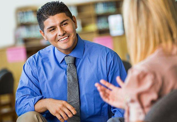 Manténlo informado - Qué hacer (y qué no) a la hora de buscar un reclutador de trabajo