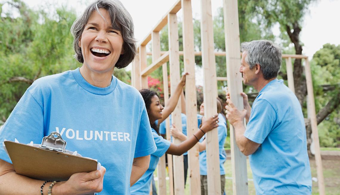 Volunteering giving back