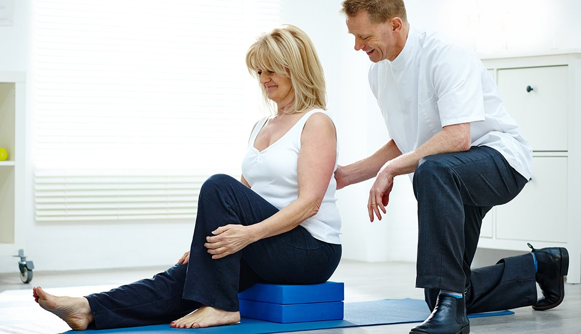 get a job in healthcare as a massage therapist for older people