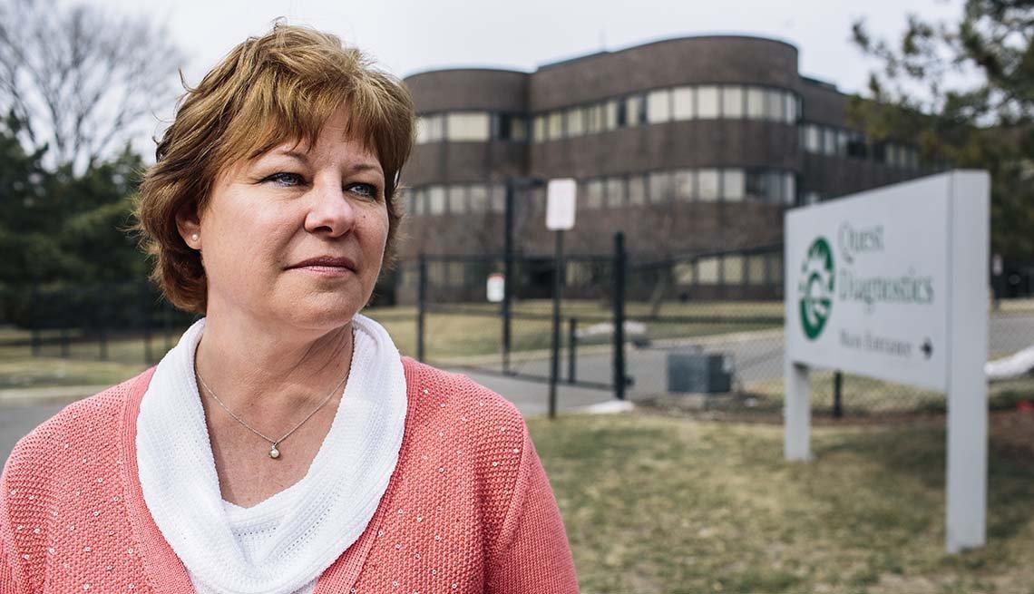 Theresa Siebert vació su cuenta de retiro para pagar lo que debía