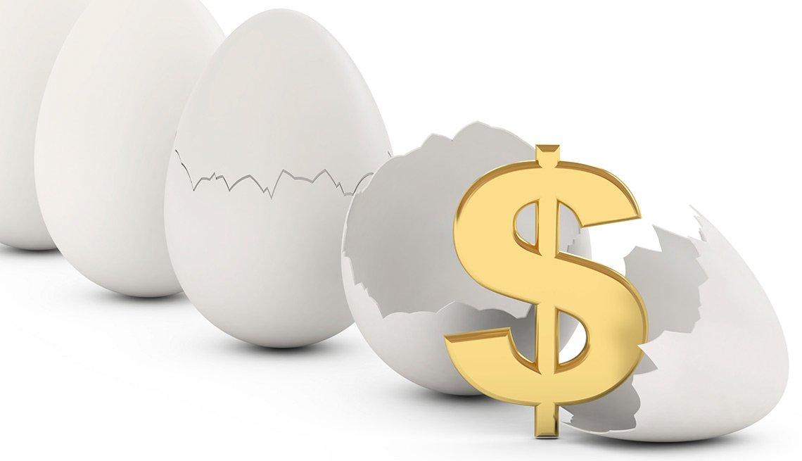 Ilustración de huevos partidos y un signo de dólares - Seguro Social ayuda a los cónyuges