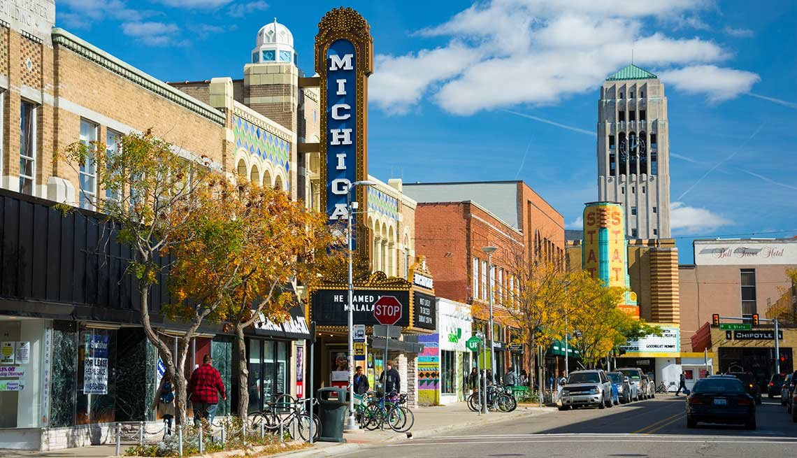 10 ideal college towns to retire for Nice places to live