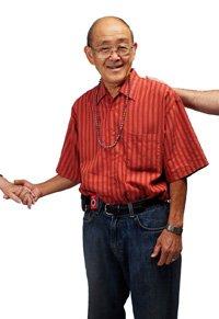 Kaz Fujimoto responde preguntas sobre el seguro social