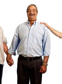 Prakash Akut, entrevistada sobre el seguro social.