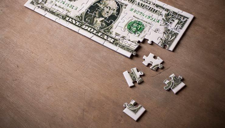 Un rompecabezas de un billete de dollar