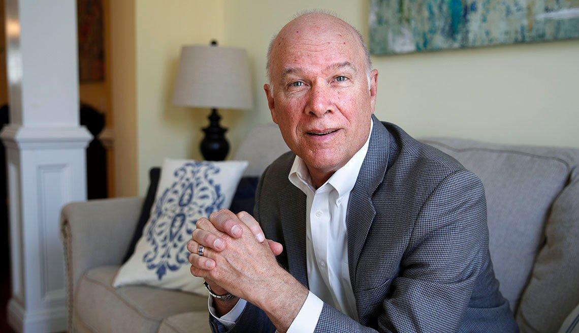 Steve Vernon, investigador del Centro Stanford sobre Longevidad