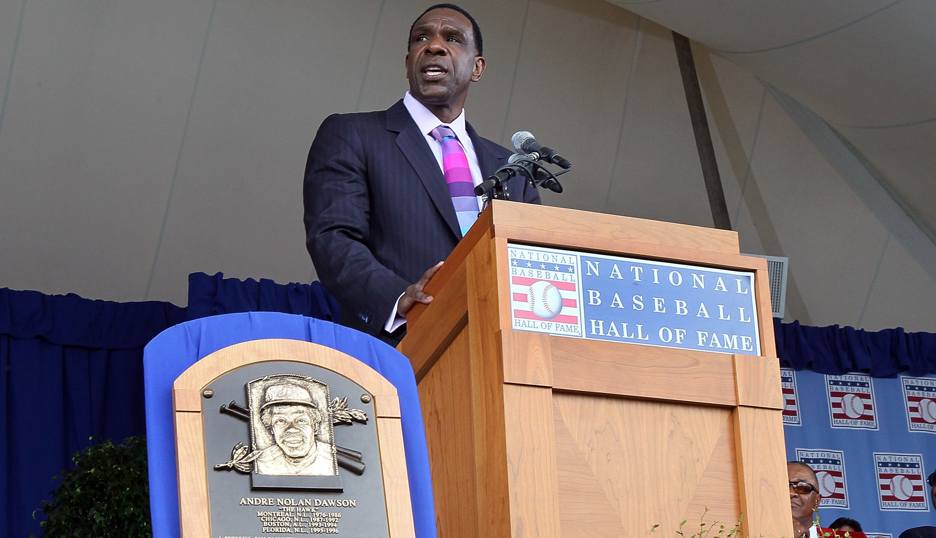 Andre Dawson is inducted into the hall of fame