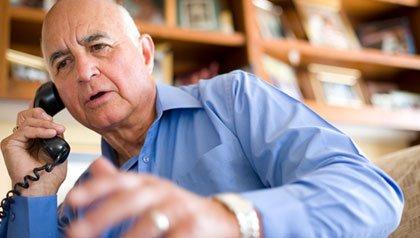 D. Carlos Romo, PhD traductor grandes puestos de trabajo para los jubilados. Trabajos desde casa