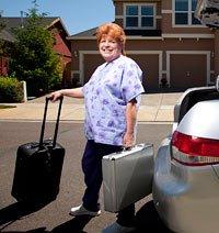 Teifel Denise, una flebotomista - Grandes trabajos para los jubilados en el área de salud