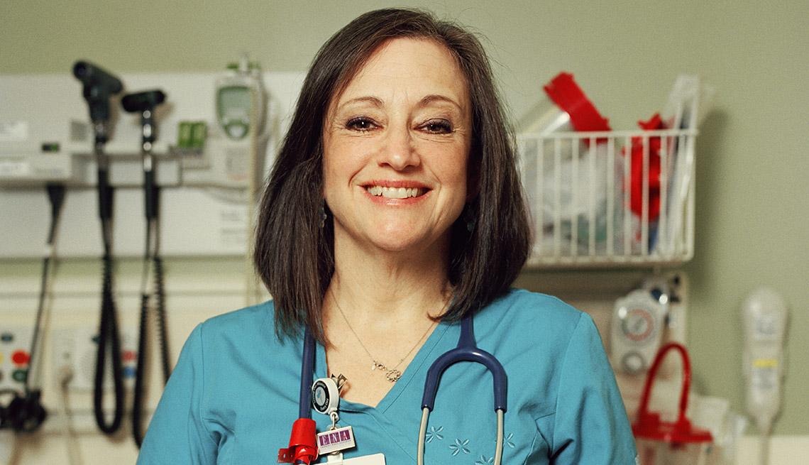 Tracy Gordon de periodista a enfermera