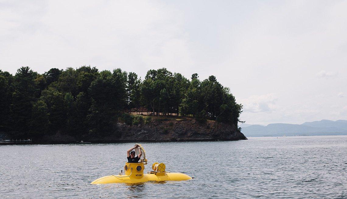 Mark Trezza y su pequeño submarino