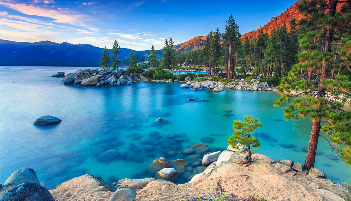 Vista de Sand Harbor en Lake Tahoe, Nevada.