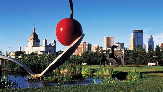 Spoonbridge and Cherry by Claes Oldenburg and Coosje van Bruggen at the Minneapolis Sculpture Garden.