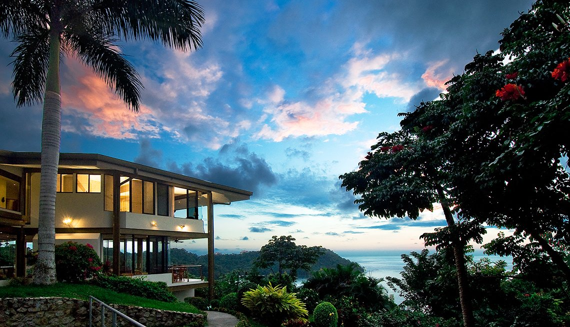 Via Yoga Retreat (Costa Rica)