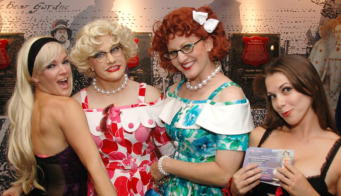item 7 of Gallery image - Cuatro mujeres sonríen en el Orlando Fringe Festival