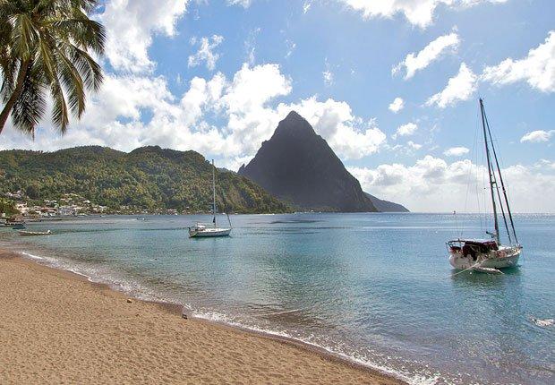 Playa en St. Lucia - Los mejores destinos para una luna de miel en el 2014