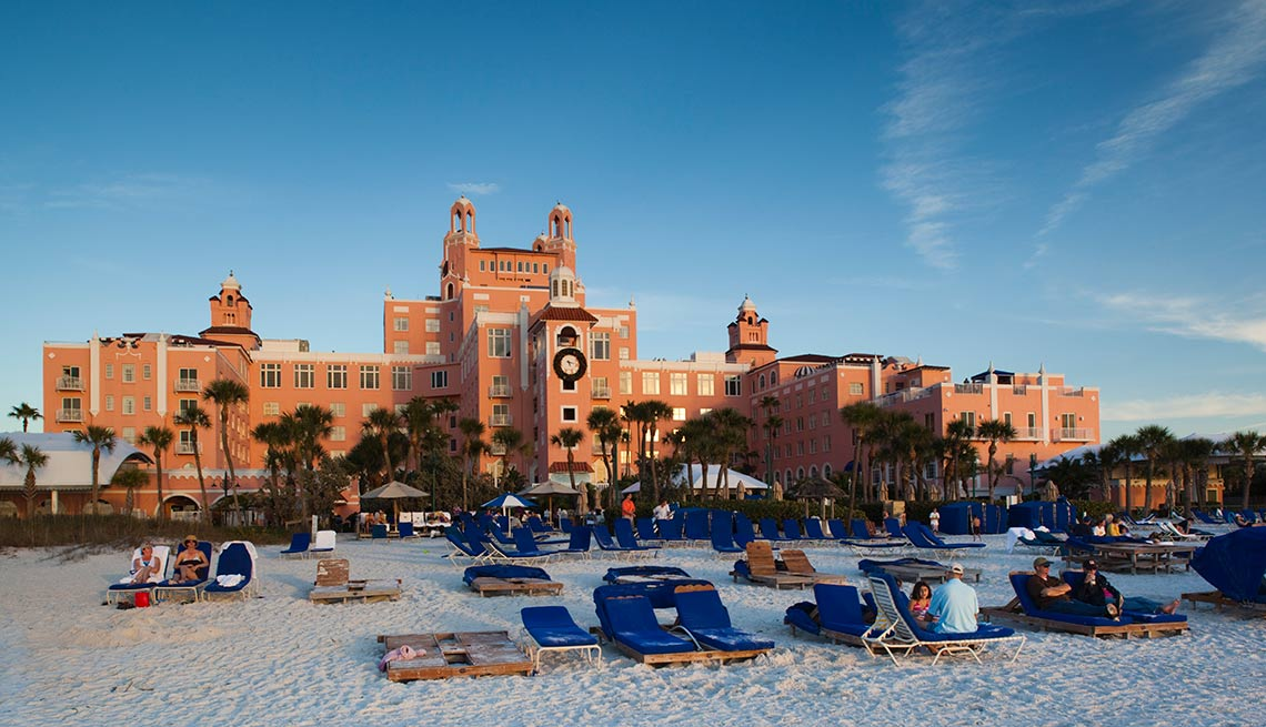 Ciudades costeras turísticas y económicas - St. Petersburg Beach, Don Cesar resort hotel