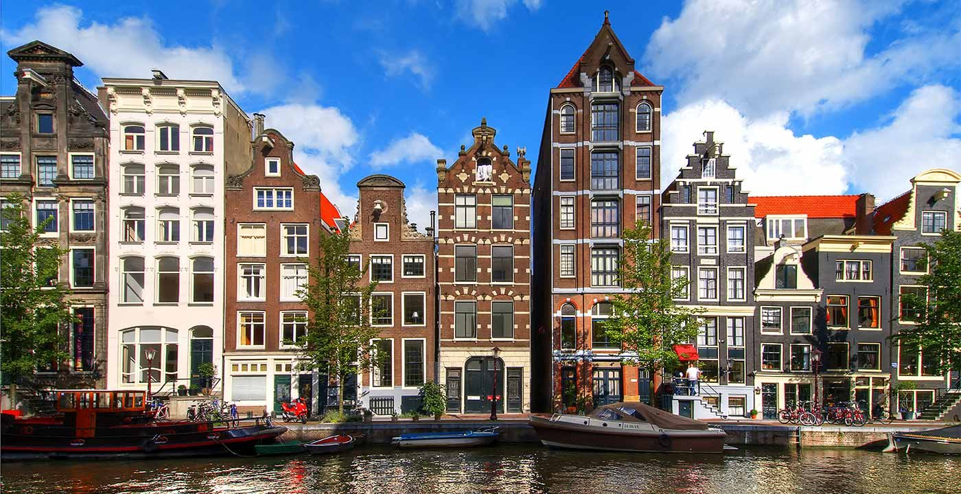 Amsterdam vacation travel guide and tour information aarp for Amsterdam hotel centro