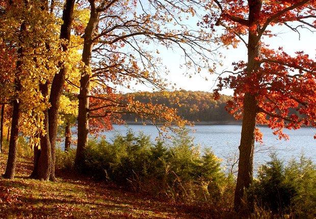 Lake of the ozarks en Misuri, 10 mejores viajes para el otoño