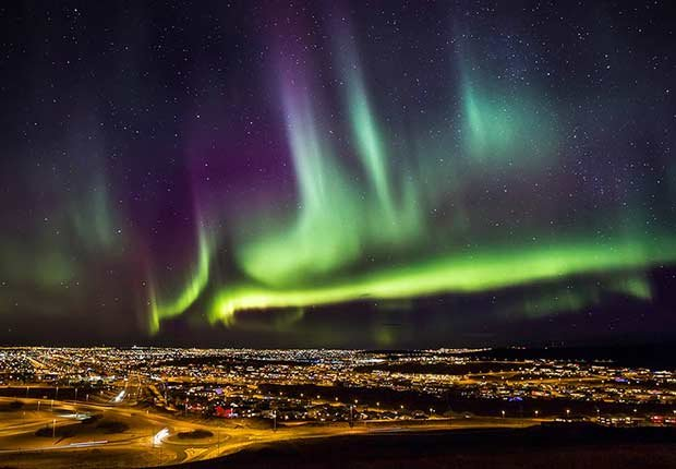 Thankgiving Getaways Travel Aurora Reykjavik ESP