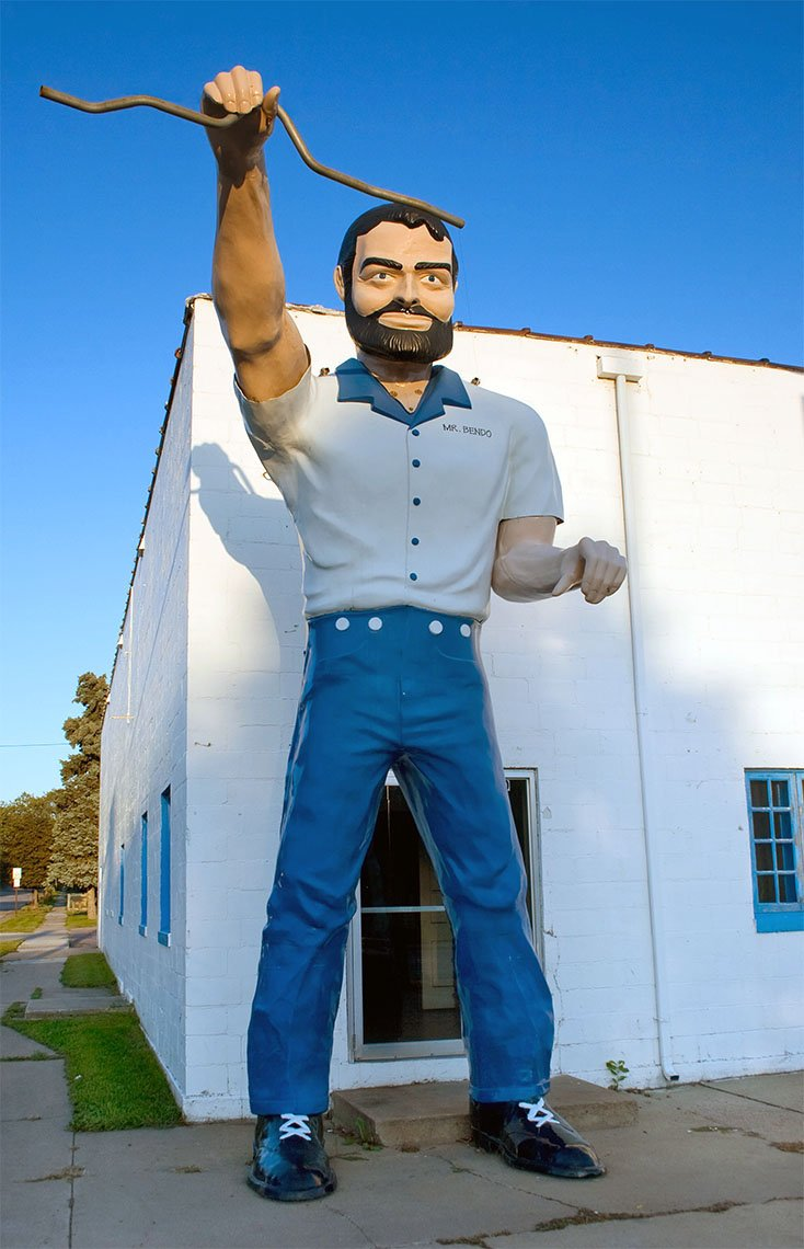 Muffler Men (and Women) Roadside Attractions