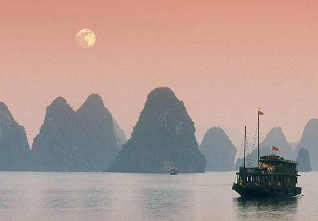 Halong Bay, Vietnam - Destinos asequibles para el invierno