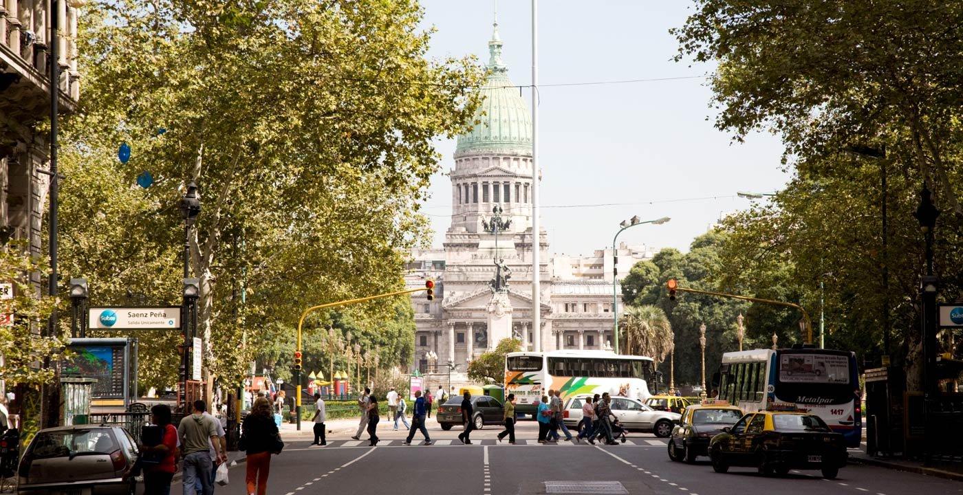 Avenida de Mayo: A Grand Boulevard