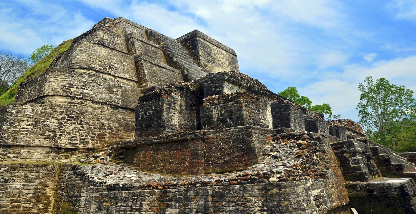 Explore an Ancient Mayan City