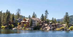 Homes on lake, Big Bear Lake