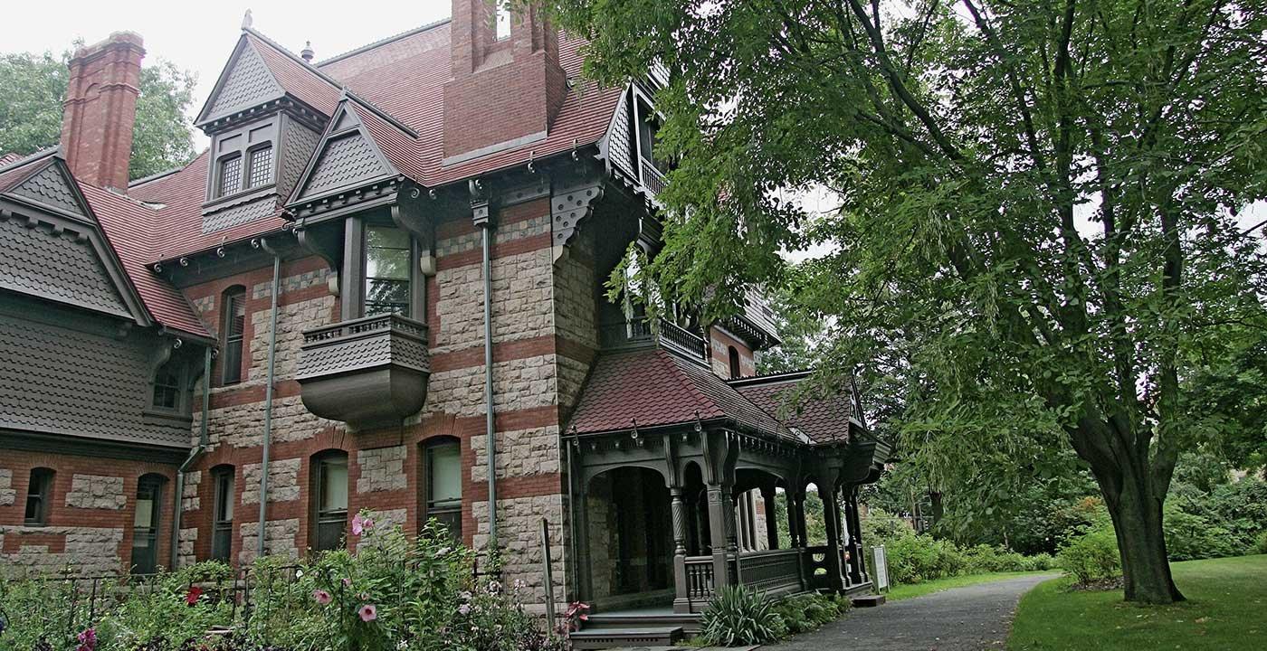 Tour the Harriet Beecher Stowe House