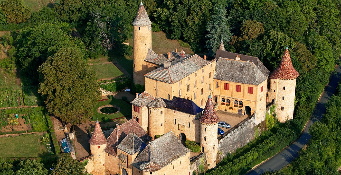 Jarnioux Castle