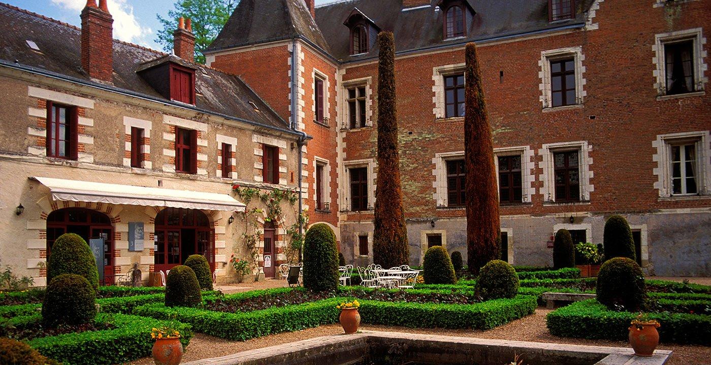 Visit Château du Clos Lucé