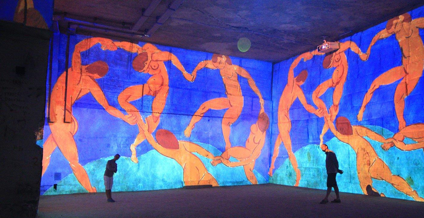 A Light Show at Carrieres de Lumiertes