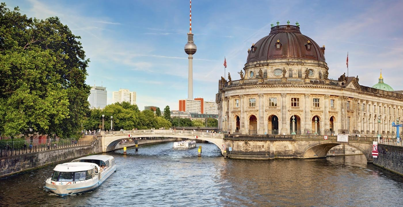Berlin Vacation, Travel Guide and Tour Information