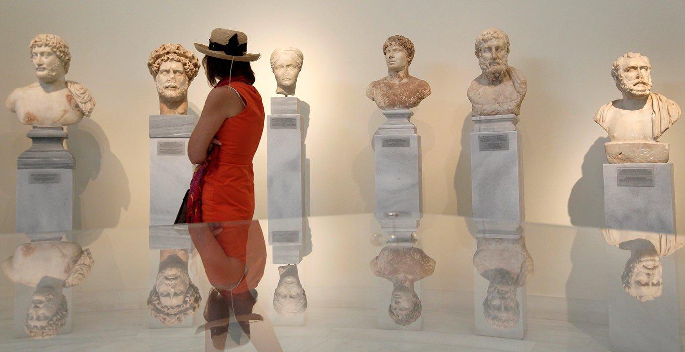 Mycenaean Burial Masks and Bronze