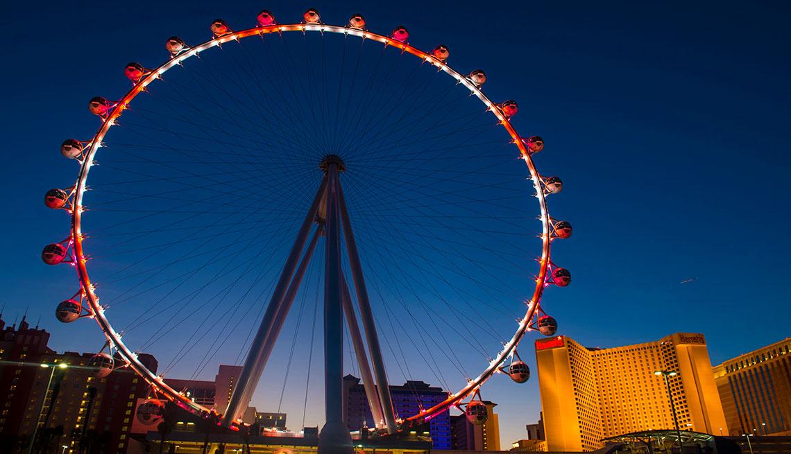 item 12 of Gallery image - Vista de la atracción The Linq en Las Vegas.