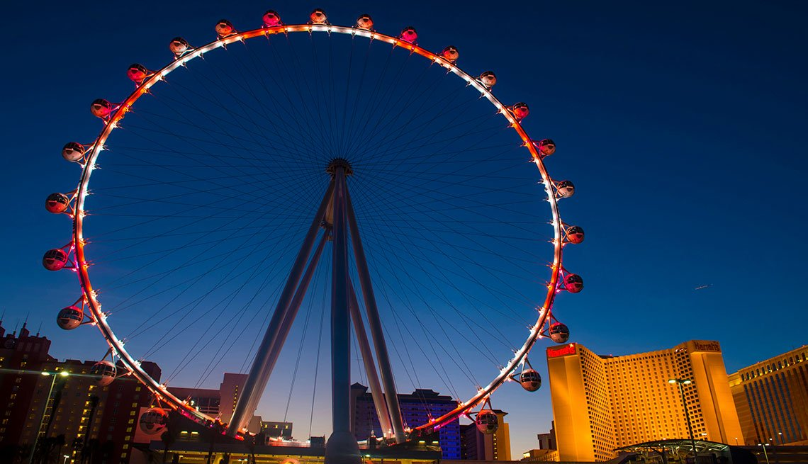 item 12 of Gallery image - Vista de la atracción The Linq en Las Vegas.