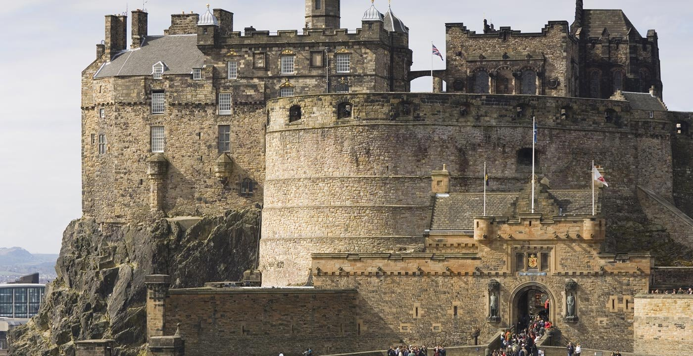 Edinburgh vacation travel guide and tour information aarp for Travel to edinburgh scotland