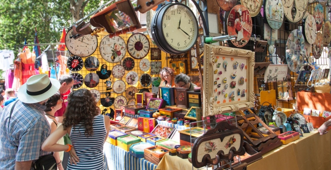 Buy Trinkets and Crafts at El Rastro