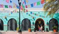 El Mercado Defines the Word 'Colorful'
