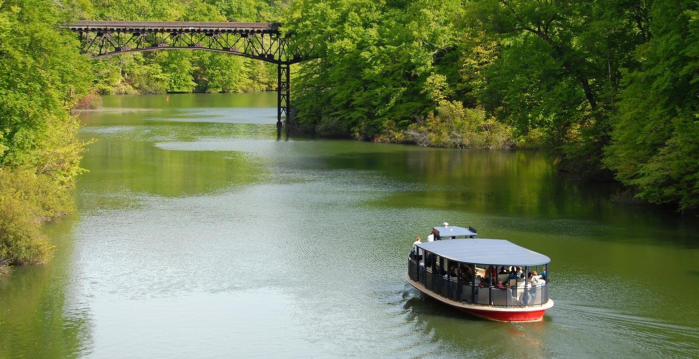 Boat in Williamsburg